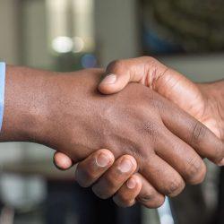 handskak - Löneförhandling